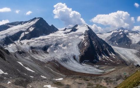 Diese naturbelassene Hochgebirgslandschaft und viertgrößte Gletscherfläche der Ostalpen ist in Gefahr. Foto: Serghei Vlasenco